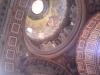 slavná kupole uvnitř chrámu